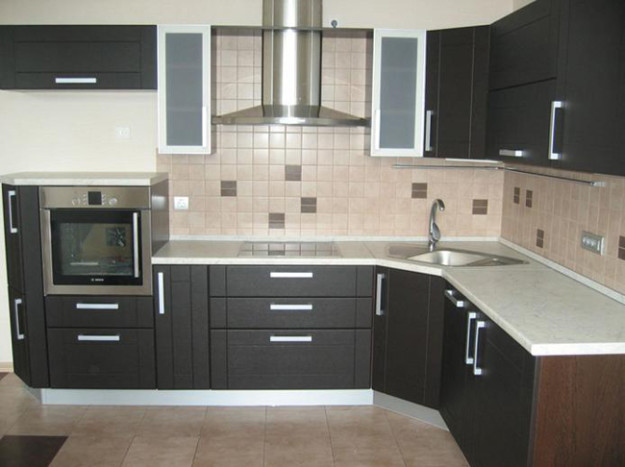 Угловая кухня современного дизайна