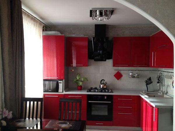 Угловая кухня вишневая