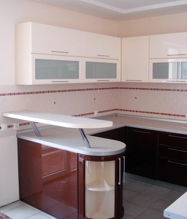 Угловой кухонный набор с барной стойкой