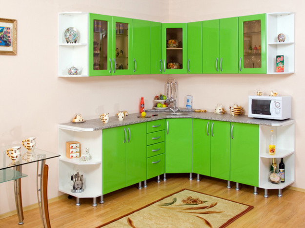 Ярко-зеленая угловая кухня